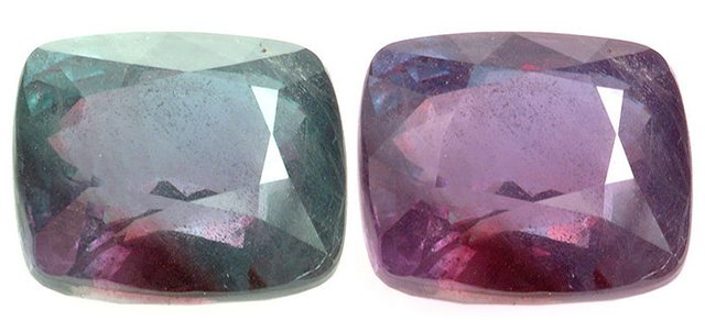 Due to its unique property to change colors from bluish-green to purple-red, the alexandrite stone very quickly became the prerogative of the rich, crowned persons